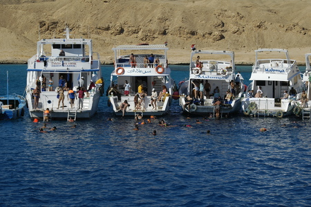 hurghada: Hurghada, Egypt - November 12, 2006: Wonderful sea and diving. Tour on tourist ships on Red sea Editorial