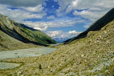 Akkem lake and river is beginning from Akkem glacier near Belukha peak, Altai Stock Photo