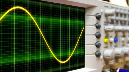 sinus: wave on oscilloscope probe arm sinus signal