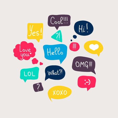 Preguntas colorida del discurso burbujas conjunto en diseño plano con mensajes cortos.