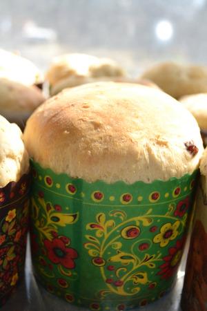 the feast of the passover: Forno di Pasqua, Pasqua bake, festa di Pasqua, le vacanze in famiglia, carta bianca, bianco crema, crema dolce, impasto adatto, bella Pasco, dolci, le tradizioni delle persone, fotografia easet Archivio Fotografico
