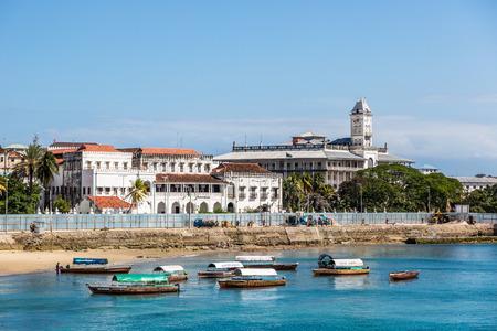 es: Beautiful blue sea in Stone town in the island of Zanzibar in Tanzania, Africa