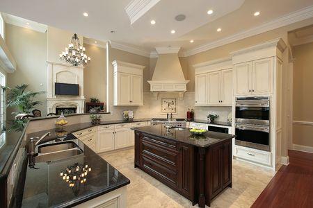 Keuken in hedendaagse huis  Stockfoto
