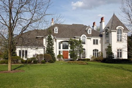Luxury home in suburbs during early spring Stock Photo - 6733372