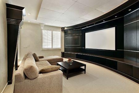 home theater: Sala teatro in casa con ampio schermo di lusso  Archivio Fotografico