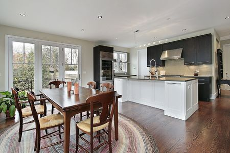 Kitchen in luxury home with eating area Stock Photo - 6740102