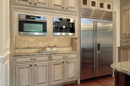 cuisine de luxe: Gros plan de cuisine de luxe avec armoires bois de ch�ne