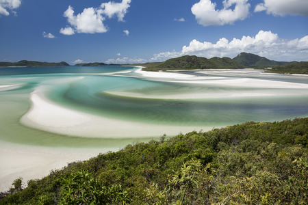 barrier island: View from Hill Inlet of the waters and swirling sands of Whitsunday Island in Queensland, Australia