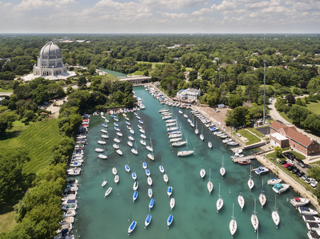 Aerial view of the Bahai Temple and Wilmette Harbor in Wilmette, IL using a Phantom 3 Professional quadcopter drone. USA. Reklamní fotografie