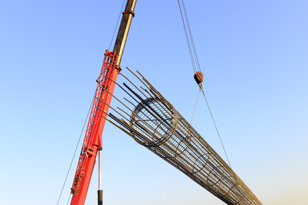 Crane hoist steel bars 版權商用圖片 - 92031831