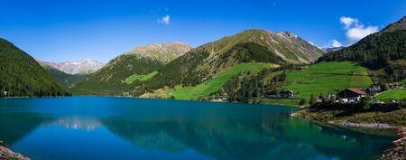 Vernago lake landscape, Senales Valley, Italy Imagens