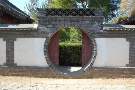 moon gate: The Chinese traditional circle shape door, moon gate  Stock Photo