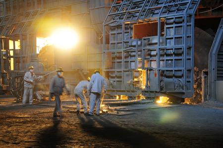smelting: Metal smelting