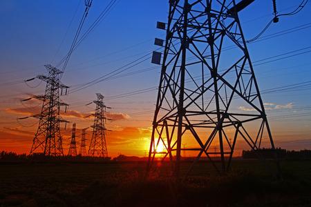 energia electrica: torre de energ�a el�ctrica Foto de archivo