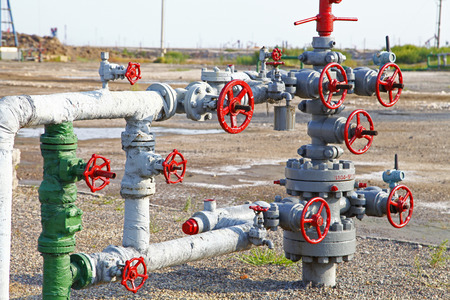 valves: Pipes and valves