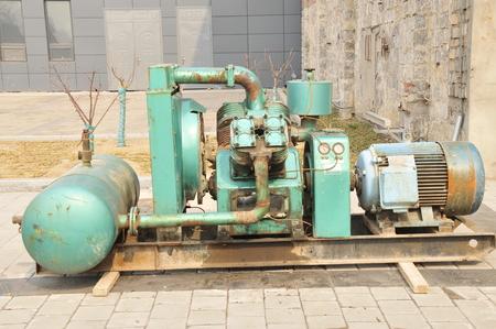 lifter: valve lifter Stock Photo