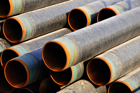 corrosion: Layers of steel pipe