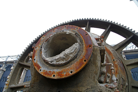 antiques: Give up the production of machinery and equipment
