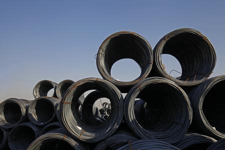 rejas de hierro: alambrón de acero Foto de archivo