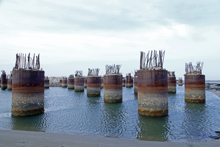 Not good concrete pier construction steel structure in the sea