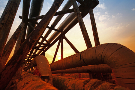 machinery: Oil pipeline, the oil industry equipment