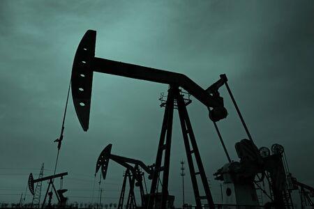La bomba de aceite, equipamiento industrial. Foto de archivo