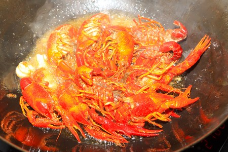 crayfish cooking in the pan photo