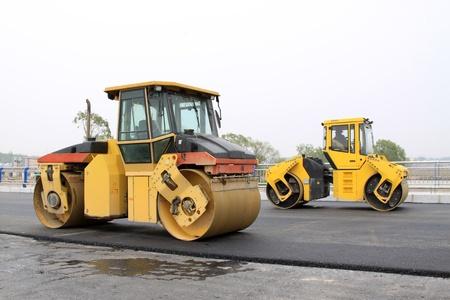 road paving: detalle de adoqu�n de pavimento en un sitio de construcci�n de carretera Foto de archivo