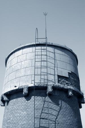 wody wieży: red brick tower magazynowanie wody w Chinach