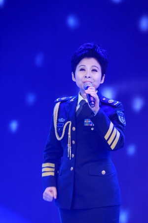 canto: Luannan, November 28, 2012  Dong Wenhua was singing the song on the stage, in the Chengzhaocai theatre, November 28, 2012, Luannan, china  Dong Wenhua was a very famous singer in china