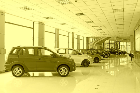 deal in: all kinds of vehicles are arranged in a deal in the hall