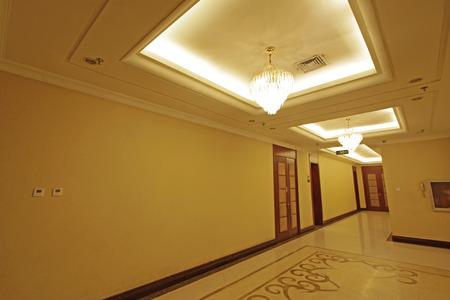 droplight: hotel lobby, closeup photo