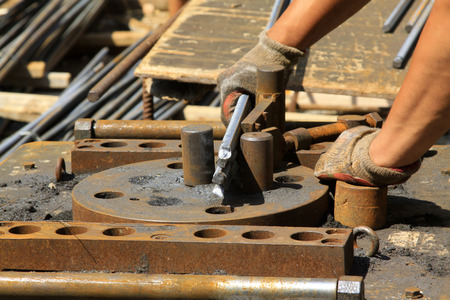 infraestructura: procesamiento de las barras de refuerzo en el sitio de construcci�n