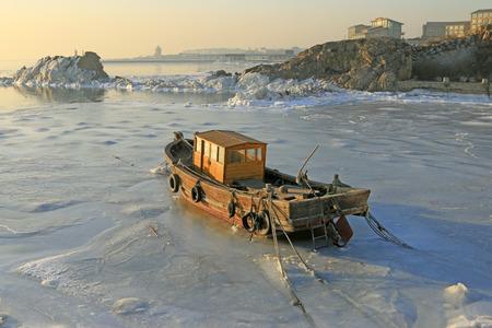 predicament: seaside natural scenery in winter