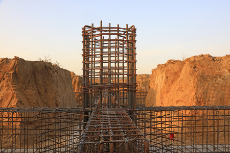 Foundation reinforcement truss of construction site