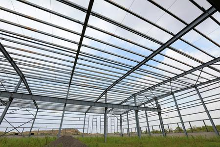 Steel frame of industrial factory building 版權商用圖片 - 106813455