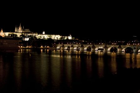 cz: at night prague