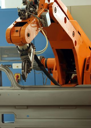 automobile industry: Robot Arm