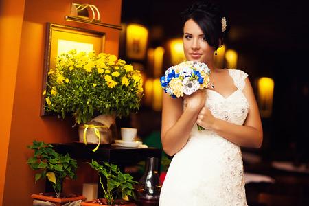 avantegarde: Stylish Autumn wedding a beautiful bride and brave groom