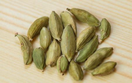 cardamon: cardamon table spice wooden anice