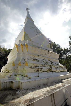 buddhist stupa: Phra That Si Song Rak is a Buddhist stupa in Dan Sai, Loei,Thailand