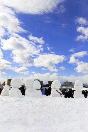 Winter snowman scene with snow and trees 免版税图像