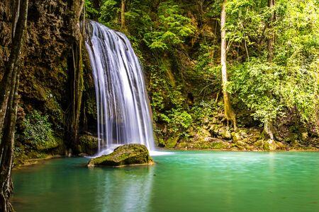 Erawan waterfall National Park Kanjanaburi Thailand Stockfoto - 128805925