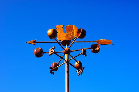 wind vane: Chicken wind vane with compass and sky