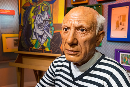 picasso: BANGKOK, THAILAND - CIRCA August, 2015: Wax figure of the famous Picasso from Madame Tussauds, Siam Discovery, Bangkok