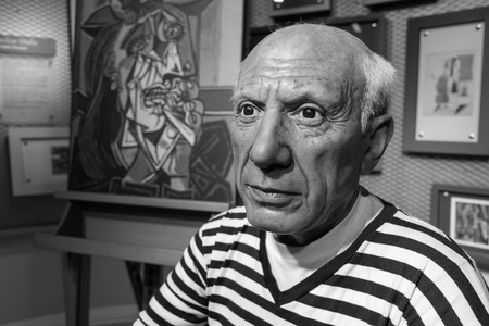pablo picasso: BANGKOK, THAILAND - CIRCA August, 2015: Wax figure of the famous Picasso from Madame Tussauds, Siam Discovery, Bangkok