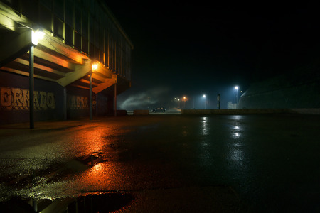 深夜駐車場