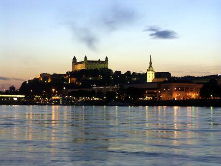 bratislava: Bratislava Castle - evening panorama