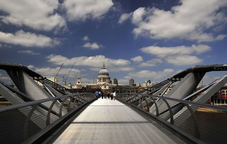 Millenium bridge and St.Poul�s