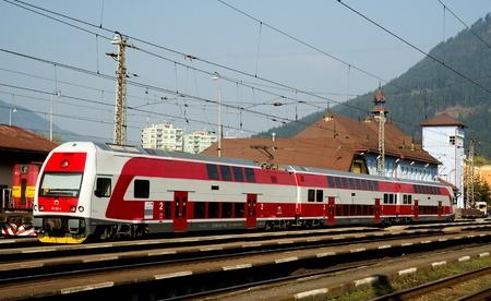 buiseness: Ružomberok,Slovakia-April 2011: A Slovac regional train,  Electric motor units class 671